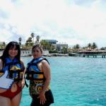 María y su mamá en Dolphin Isla Mujeres