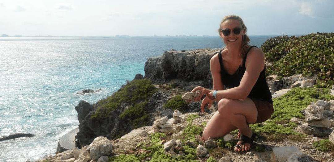 Cassandra De Pecol visita Dolphin Discovery
